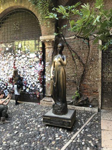 ジュリエッタ像